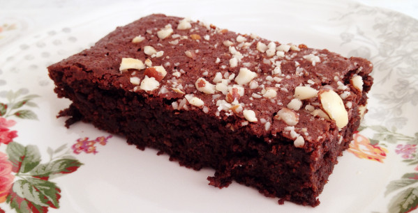 Brownie con noci e banana