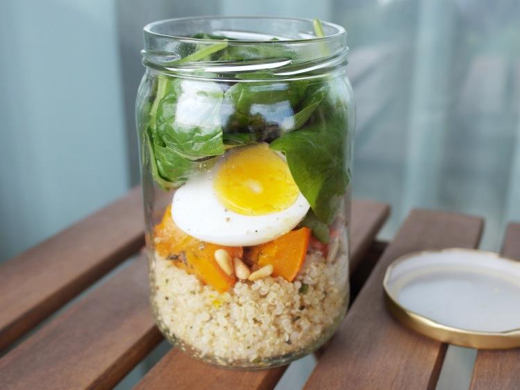 Insalata di quinoa in barattolo
