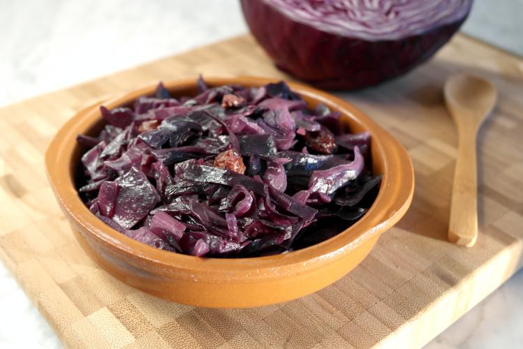 Cavolo rosso stufato con uvetta