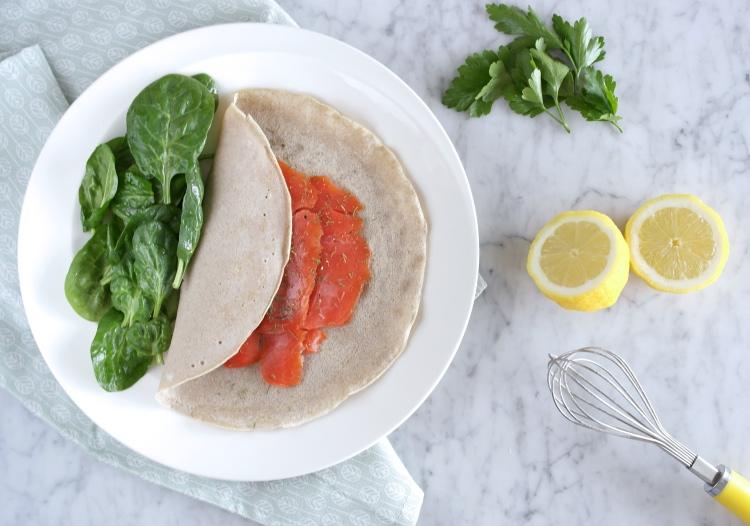 Galette de sarrasin (crêpe di grano saraceno) con salmone e aneto
