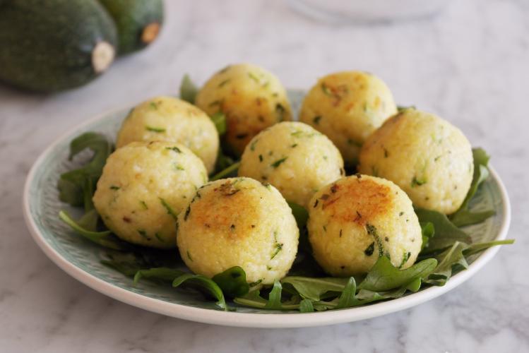 Crocchette di miglio con zucchine e basilico